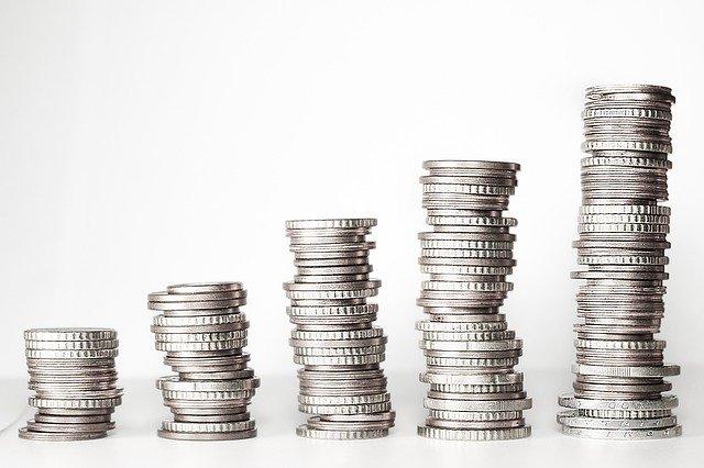 monety ułozone w stos