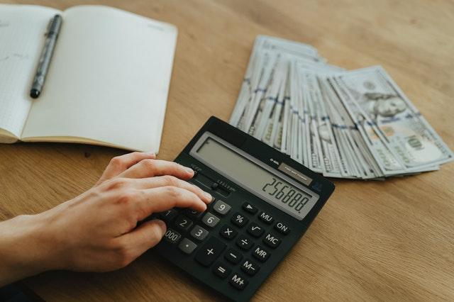 kalkulator, pieniądze, notes